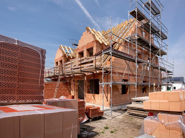 Dom wtrakcie budowy